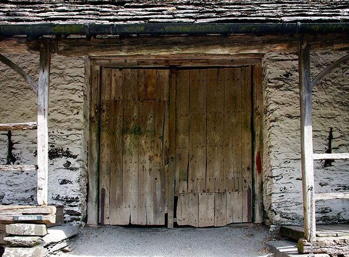Oak doors set into a traditional Lake District barn 2015